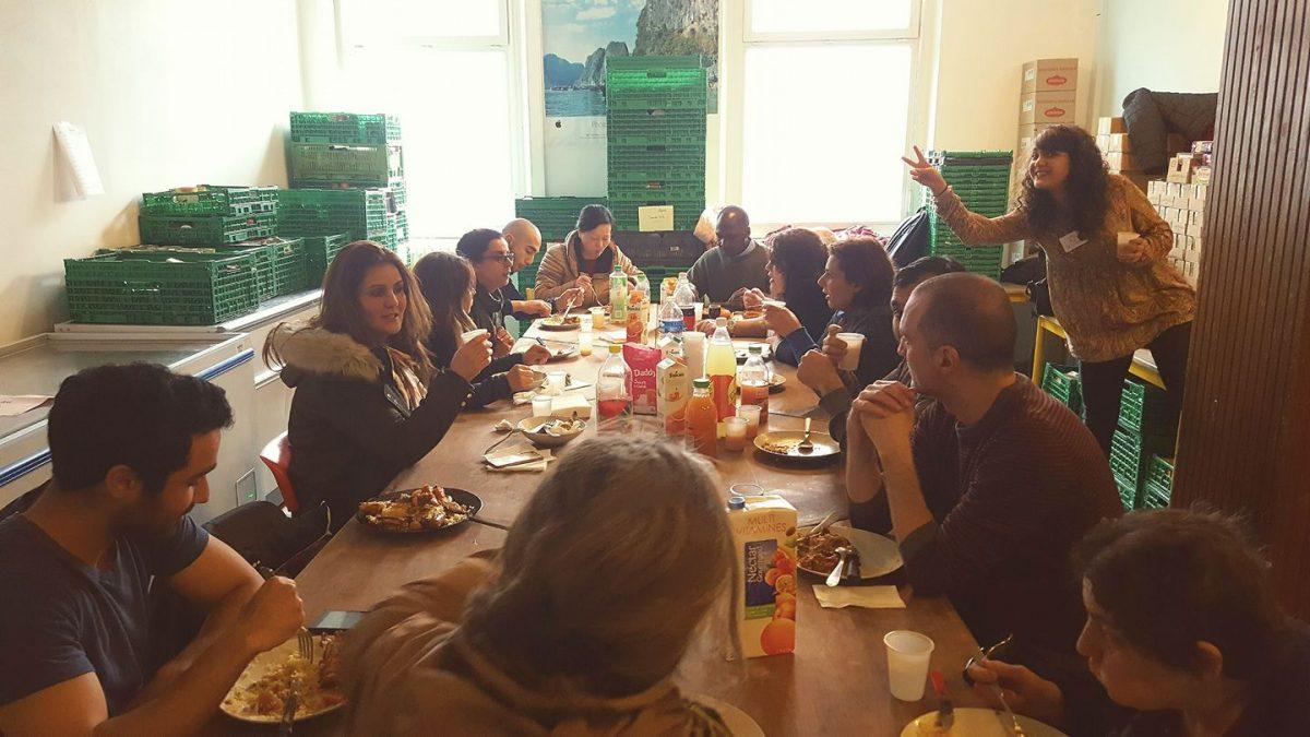 Dès la fin de chaque collecte, un grand déjeuner a lieu le dimanche même. Tous les participants cette collecte sont invités à nous rejoindre et nous pouvons déguster un bon repas préparé par l'équipe de La Chorba en attendant que le directeur, Khater Yenbou, annonce les résultats des efforts des bénévoles et salariés.